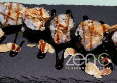 "Futo crab <br> <span class=""dish-desc"">(tempura di granchio morbido, philadelphia, salsa teriyaki, foglie di mandorle)</span>"