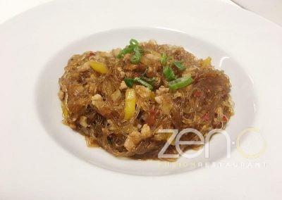 Spaghetti di soia con carne e piccante