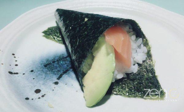 Temaki salmone e avocado