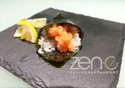 Temaki spicy salmon