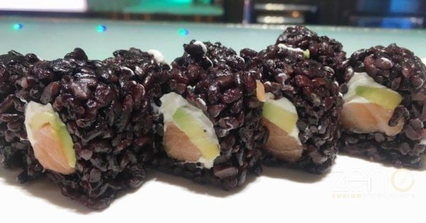 Uramaki black roll